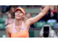 Maria Sharapova Kortlara Dönüyor