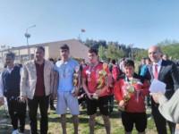 Aba Güreşi Türkiye Şampiyonasına Darendeli Güreşçiler Damgasını Vurdu