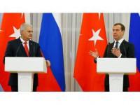 Başbakan Yıldırım Medvedev İle Telefonla Görüştü