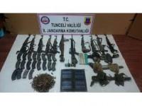Tunceli'de Çok Sayıda Silah Ve Mühimmat Ele Geçirildi