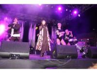Hande Yener Konserinde İzdiham