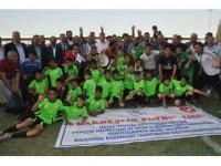 """Suriyelilerin Kardeşlik Futbol Ligi'nde """"Hedef Akademi"""" Şampiyon"""