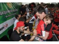 Eskişehirspor'a Destek İçin İmza Günü Düzenlendi