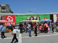 Lösev İyilikler Tır'ı İzmir çıkarması yapıyor