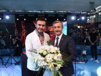 Gaziantep'te Binlerce Kişi Mustafa Ceceli İle Coştu