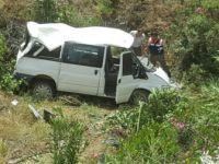 Aydın, Nazilli'de İşçi Servisi Köprüden Uçtu: 9 Yaralı