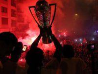 Süper Lig'e Yükselen Göztepe Kupayla Turladı