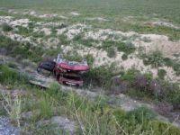 Konya, Akşehir'de Otomobil Şarampole Yuvarlandı: 1 Ölü, 3 Yaralı (Muhammet Nuri Aslan)