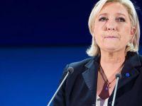AP Le Pen'in Dokunulmazlığını Kaldırdı