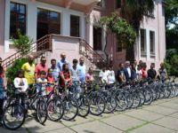 Balıkesir'de Fenerbahçelilerden Başarılı Öğrencilere Bisiklet