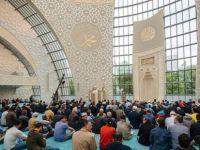 Köln Merkez Camisinde 'Müslüman-türk' Damgası