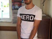 """Bir skandal daha """"Hero"""" Tişörtü İle Davaya Girmeye Çalıştı"""