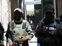 İsrail'in Mescid-i Aksa'ya Baskınları Devam Ediyor