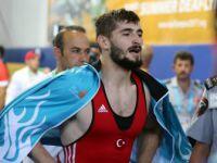 Samsun'da Güreşte Türkiye'ye 1 Altın Daha