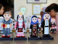 'Fırat'ın Çakılları' Kadınların Elinde 'Taş Bebeğe' Dönüşüyor