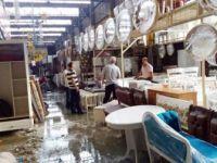 Yenibosna Bit Pazarındaki Beyaz Eşyalar Sular Altında Kaldı