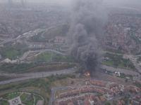 Kağıthane'de Yıldırım Düşen Fabrikadaki Yangın Havadan Görüntülendi