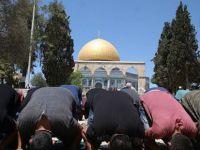 Filistinlilerden Mescid-i Aksa'da 'Sorunsuz' İlk Cuma