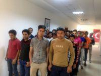 Siirt'te Afgan Uyruklu 47 Kaçak Göçmen Yakalandı