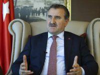 Osman Aşkın Bak, Milli Atlet Guliyev'i Tebrik Etti