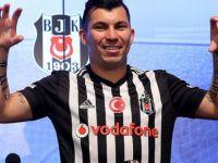 Beşiktaş, Yeni oyuncusu Medel'i Basına böyle Tanıttı