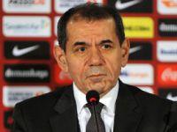 Dursun Özbek: ''Galatasaray'da 4-5 Tane Futbolcu Yönetimle Yarış İçine Girdiler''