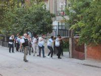 Kütahya'da 3 Kişiyi Tüfekle Yaralayan Şahıs Yakalandı