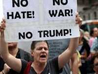 Silikon Vadisi'nde Trump Ve Irkçılık Karşıtı Protesto