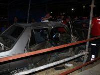 Adana'da Hafif Ticari Araç ile Otomobil Çarpıştı: 1'i Ağır 4 Yaralı