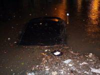 Zonguldak'ta Otomobiller Sular Altında Kaldı