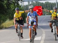 Ahmet Süğlün'den Bisikletle '80 Günde Devr-i Türkiye'