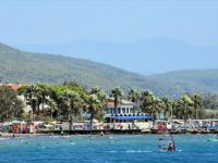 Akyaka Mahallesi 'Sakin Kent' Yerli Turistle Bayram Etti
