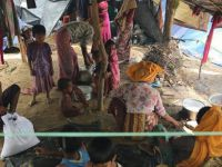 Bangladeş'e 290 bin Arakanlı Müslüman Sığındı