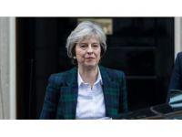 Theresa May'in Koltuğu Sallanıyor