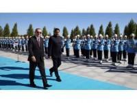 Erdoğan, Venezuela Devlet Başkanı Maduro'yu Resmi Törenle Karşıladı