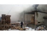 Hadımköy'de Lojistik Firmasının Deposunda Yangın