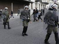 Atina'da Anarşistler İspanya Büyükelçiliğini Bastı