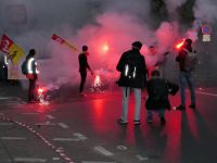 Paris'te İşçi Sendikalarından Macron'un Reformlarına Karşı Yürüyüş
