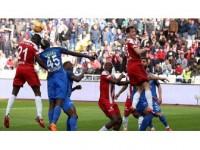 Sivasspor Yenilmezlik Serisini Sürdürdü