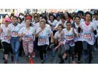 İzmir'de 'Renkli Kadınlar Koşusu' Yapıldı