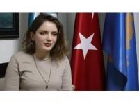 'Türkiye'yi Çok Sevdikleri İçin Türkçe Öğreniyorlar'