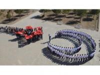 Muş'ta Öğrencilerden Ay Yıldız Koreografisi