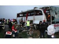 Aksaray'da Yolcu Otobüsü Şarampole Devrildi: 4 Ölü, 37 Yaralı