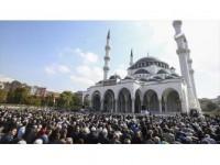'Cuma Müslümanların Birbirinin Farkında Olduğu Gündür'