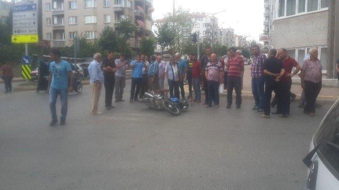 Samsun, Bafra'da Otomobil İle Motosiklet Çarpıştı: 1 Yaralı