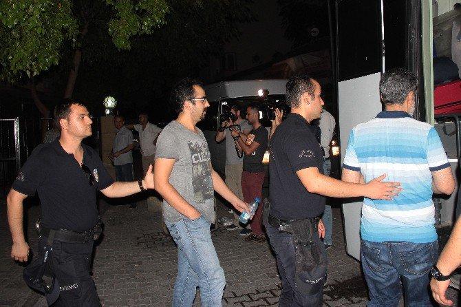 Tutuklanan Polislere şok eden slogan