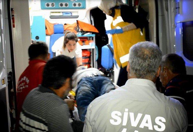 Sivas, Koyulhisar'da Pikap İle Kamyon Çarpıştı: 1 Ölü