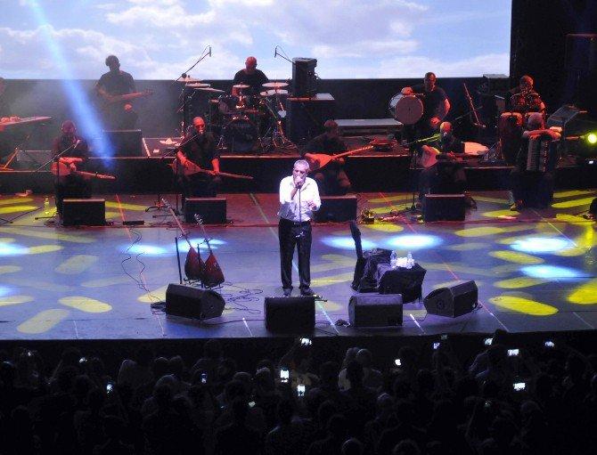Yavuz Bingöl Expo 2016 Antalya'da Sahne Aldı