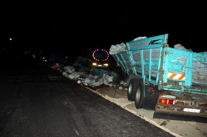 Kayseri-Malatya Karayolunda Tankerle Kamyon Kafa Kafaya Çarpıştı: 1 Ölü