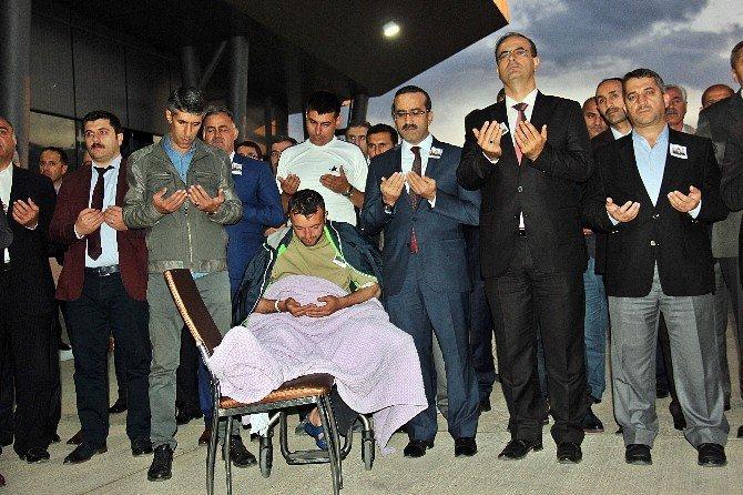 Şehit Asker Uzman Çavuş Emrah Çeçen Memleketine Uğurlandı